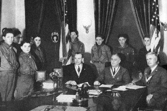 1937 Feb 8 - President Roosevelt and Scouts at radio address